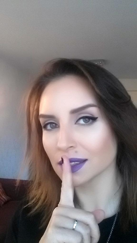 Cum imi aplic eyeliner-ul