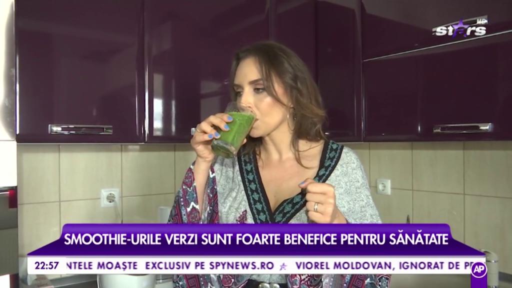 Am facut reteta mea favorita de smoothie verde pentru Refresh by Oana Turcu (Antena Stars)